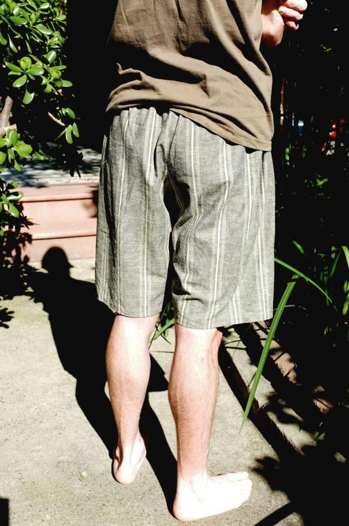 brown-jin-bei-shorts-back